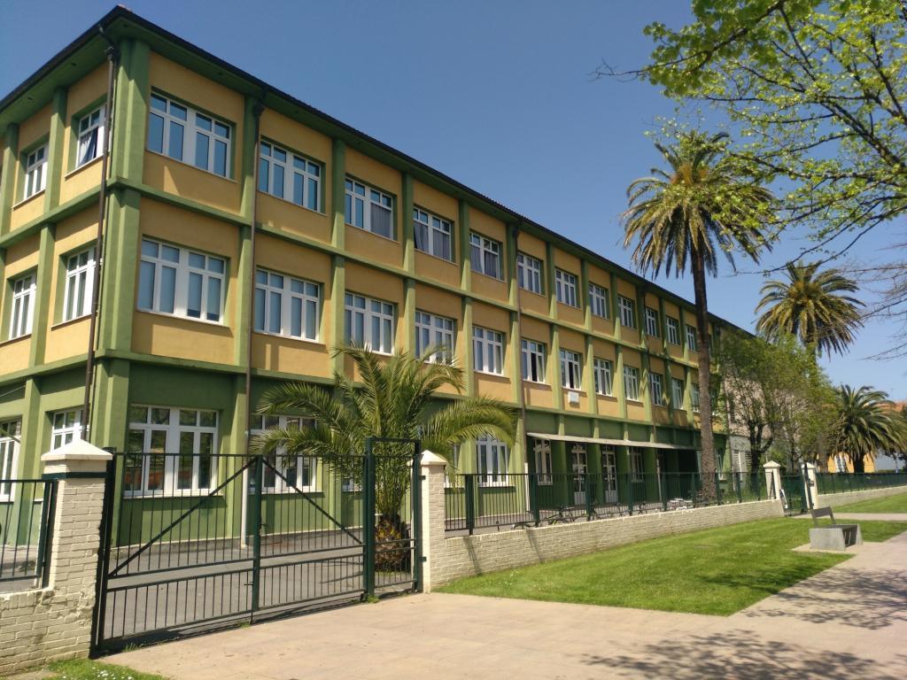 Gernika-Lumoko institutua kanpotik