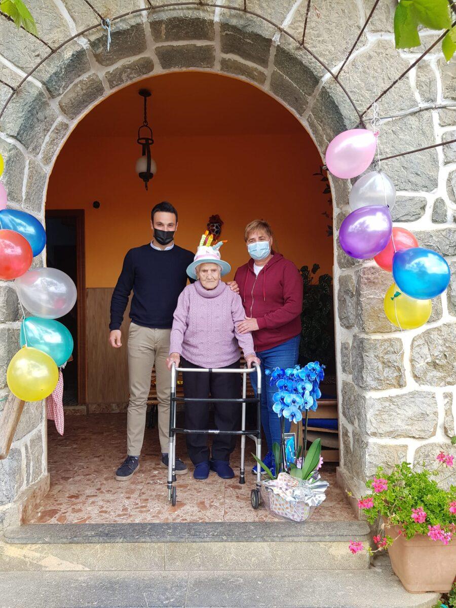 Asun Elorriaga Mendiolak 101 urte