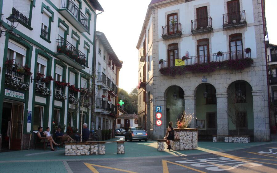 Ea udalerrian Donibane plaza